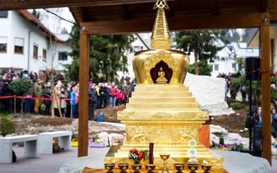 Fotografie z inaugurace stúpy v Bodhi Path Renchen-Ulm